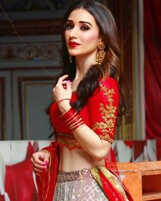 Heli daruwala 15 Dresses, Formal Dresses, Indian Star, Stylish Girl Images, Indian Models, Girls Image, Bollywood Actress, Sari, Actresses
