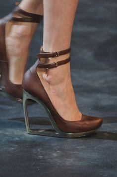Cutout heel wedge