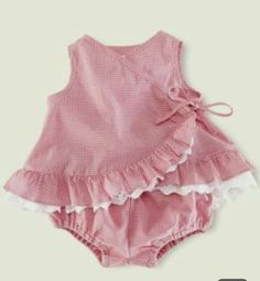 i think i had one just like this as a baby clothing patterns Toddler Girl Dresses, Little Girl Dresses, Toddler Outfits, Kids Outfits, Baby Outfits, Baby Frocks Designs, Baby Dress Patterns, Frocks For Girls, Baby Girl Romper
