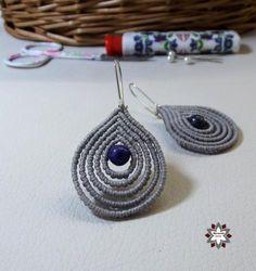 how to make macrame earrings how to make macrame jewelry Macrame Earrings Tutorial, Macrame Tutorial, Earring Tutorial, Diy Earrings, Crochet Earrings, Lace Necklace, Macrame Necklace, Jewelry Knots, Diy Jewelry