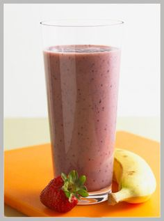 Strawberry-Banana Smoothie - Healthy Recipe Finder body-and-mind Fruit Smoothies, Blueberry Banana Smoothie, Smoothie Drinks, Healthy Smoothies, Healthy Drinks, Healthy Snacks, Healthy Eating, Healthy Recipes, Breakfast Smoothies