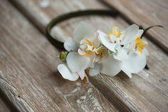 生花カチューシャ 白胡蝶蘭