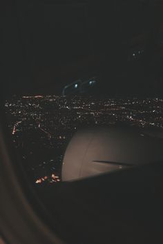 Pin by zareena bulah on airplane window in 2019 Night Aesthetic, Travel Aesthetic, Airplane Photography, Travel Photography, Look Wallpaper, Night Sky Wallpaper, Instagram Story Ideas, Aesthetic Pictures, Aesthetic Wallpapers