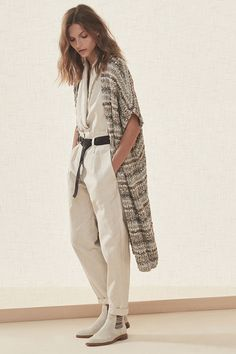 Brunello Cucinelli Spring 2019 Ready-to-Wear Milan Fashion Show Collection: See the complete Brunello Cucinelli Spring 2019 Ready-to-Wear Milan collection. Look 33 Milan Fashion, Spring Fashion, Winter Fashion, Fashion Trends, Knit Fashion, Fashion Outfits, Womens Fashion, Cheap Fashion, Brunello Cucinelli