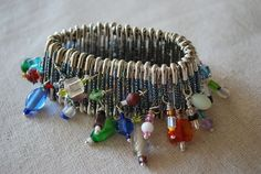 Beaded Safety Pin Bracelet: free tutorial