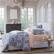 Navy, white and pale pink. Gorgeous!