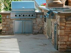 Pictures of Outdoor Kitchens: Gas Grills, Cook Centers, Islands & More   HGTV