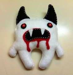 Make a food plushie in under 90 minutes by sewing with scissors, felt, and buttons. Inspired by halloween, domo kun, and domo kun. Ugly Dolls, Creepy Dolls, Sewing Toys, Sewing Crafts, Zombie Dolls, Voodoo Dolls, Scary Animals, Weird Toys, Monster Dolls