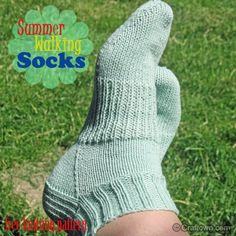 Summer Walking Socks - Free Knitting Pattern from #craftown #knitting #knitsocks