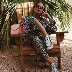@lizzyvdligt con sus gafas de sol Miu Miu luce un outfit súper atrevido  Es súper tendencia combinar prints, ¿Te atreves? #miumiu #gafasdesol #style #fashion #streetstyle #itgirl #influencer #fashiongoals #chic #trend #marrakech #outfit #ootd