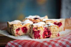 Ellenállhatatlanul finom meggyes lepény - Az otthon szépsége Cupcakes, Cake Recipes, French Toast, Cheesecake, Muffin, Low Carb, Nutrition, Baking, Breakfast