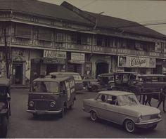 Juan Luna St., Binondo, Manila. Circa 1955 Retro Pi, Historical Architecture, Interesting Photos, Future Car, Pinoy, Vintage Pictures, Manila, Old Photos, Philippines