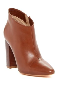 Pour La Victoire Lim Bootie. I'm going to be needing these.