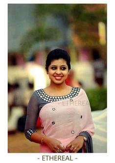 Latest mirror work blouse design - The handmade craft Mirror Work Saree Blouse, Mirror Work Blouse Design, Saree Blouse Neck Designs, Kurta Designs, Blouse Patterns, Saree Models, Blouse Models, Trendy Sarees, Stylish Sarees