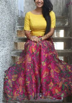 Amazing yellow and pink combination Salwar Designs, Lehenga Designs, Blouse Designs, Dress Indian Style, Indian Dresses, Indian Outfits, African Dress, Ethnic Fashion, Indian Fashion