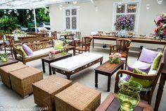 Puffs Mineirart e mesa para Buffet Mineirat  (opcional de decoração /orçamento extra)