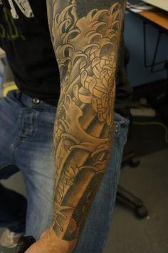 black and grey sleeve tattoos | Black n grey chrysanthemums sleeve | Roddy mclean tattooer's Blog