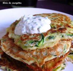 Blinis de Courgettes ( by Very Easy Kitchen) Diet Recipes, Vegetarian Recipes, Cooking Recipes, Healthy Recipes, Morrocan Food, Weird Food, Appetisers, Vegan Dishes, Family Meals