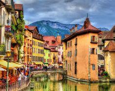 Puzzle Annecy in France. Jigsaw puzzles, puzzle games for kids. Play free jigsaw puzzle Annecy in France. Lake Annecy, Saint Véran, Stations De Ski, Annecy France, Ville France, Beaux Villages, Excursion, Wanderlust, Auvergne