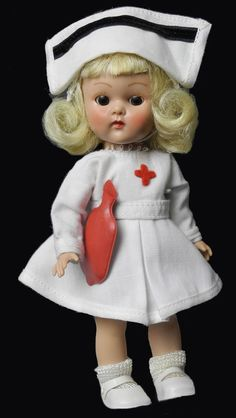"""8"""" VOGUE GINNY BKW 1957 IN #7046 MAJORETTE IN WHITE W/ RED LINING"""
