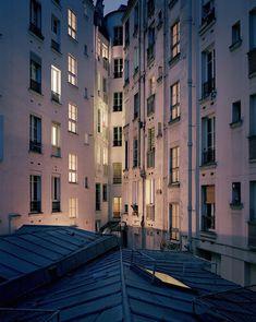 http://www.fubiz.net/2015/07/16/paris-rooftops-by-night/