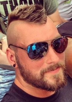Men's Undercut Hairstyles – 30 New Undercut Styles Trending Mohawk Hairstyles Men, Cool Hairstyles For Men, Haircuts For Men, 1940s Hairstyles, Men's Haircuts, Modern Haircuts, Updo Hairstyle, Prom Hairstyles, Style David Beckham