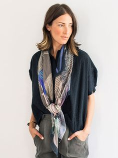 Loosely Tied Scarves Loosely Tied Scarves - Casual Outfit Ideas For The Days You Just Can't - Photos Head Scarf Styles, Silk Shorts, Summer Scarves, How To Wear Scarves, Turbans, Fashion Over 40, Fashion Fashion, Looks Style, Get Dressed