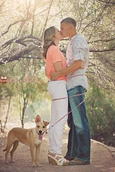 Enagement Photos with Pets / http://www.himisspuff.com/engagement-photos-with-pets-that-will-melt-your-heart/2/