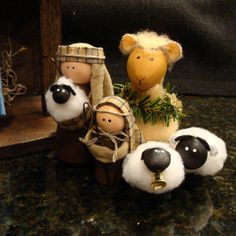 Nativity Set  11 Pieces Including Handcrafted Stable  Ready