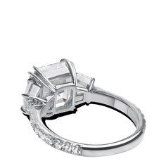 ring-allure-asscher-trapezoids-three-stone-diamonds-platinum-steven-kirsch-1.png