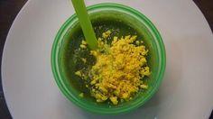 Špenátovo - karfiolové pyré s mrkvou, drvenou rascou a vaječným žĺtkom