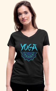 Yoga Schriftzug mit zauberhaftem Mandala für alle Yogalehrer, Yogaschüler und Yogapraktizierenden, Freunde von Achtsamkeit und Gelassenheit, Spiritualisten und Indien-Fans. Das Design ist auf über 100 Artikeln erhältlich, wie z.B. Shirts, Hoodies, Jacken, Taschen, Tassen, Handy- und Kissenhüllen, Schürzen, uvm. Pullover, V Neck, T Shirts For Women, Tops, Design, Fashion, Indian, Yoga Teacher, Script Logo
