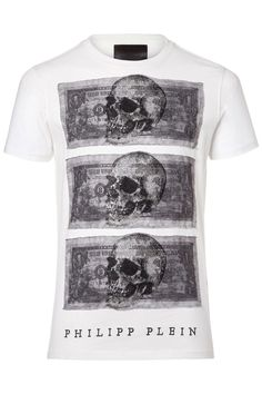 Printed t-shirt with dollars and sparkling skulls made of rhinestones. Get an air of effortless cool in this piece. Browse the complete Philipp Plein collection online at Boudi UK. Philipp Plein is pure luxury with his latest Menswear Collection embodying the designers rebel streak, and glamorous ideals making thePhilipp Plein brand instantly recognisable. FW14-HM342118