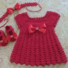 Fast And Easy Baby Romper - Crochet Ideas Crochet Baby Dress Pattern, Knit Baby Dress, Baby Dress Patterns, Baby Girl Crochet, Crochet Baby Clothes, Baby Knitting Patterns, Crochet For Kids, Knit Crochet, Crochet Ideas