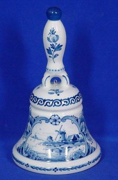 Galleria D'arte Rinascimento - Delft Art and Antiques Delft, Glazes For Pottery, Pottery Vase, Blue And White China, Red And White, Composition Examples, Ring My Bell, Candle In The Wind, Willow Pattern