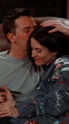 friends chandler and monica . friends chandler and joey . Tv: Friends, Chandler Friends, Friends Tv Show, Serie Friends, Friends Scenes, Friends Cast, Friends Moments, Friends Forever, Monica Friends