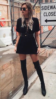 vestido e bota Trendy Fashion, Boho Fashion, Winter Fashion, Fashion Outfits, Womens Fashion, Dress Fashion, Fashion Black, Spring Fashion, Looks Dark