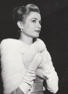 As long as i know how to love i will stay alive Hollywood Glamour, Classic Hollywood, Old Hollywood, Grace Kelly Style, Princess Grace Kelly, Monaco, Classic Actresses, Beautiful Actresses, Old Actress