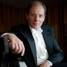 António Oliveira, piano