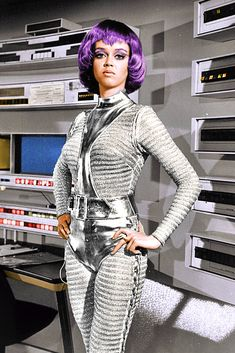 Space Tv Shows, Space Clothing, Ufo Tv Series, Sf Movies, Space Outfit, Astronauts, Yesterday And Today, Old Tv, Retro Futurism