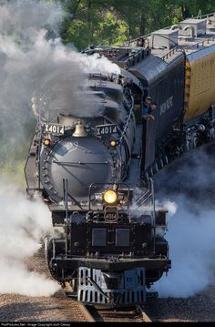 Net Photo: UP 4014 Union Pacific Steam at Saint Paul, Minnesota by Josh Cleary RailPictures.Net Photo: UP 4014 Union Pacific Steam at Saint Paul, Minnesota by Josh Cleary Union Pacific Train, Union Pacific Railroad, Ho Trains, Model Trains, Image Train, Old Steam Train, Railroad Photography, Train Pictures, Train Engines