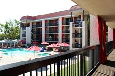 With the pool this close to your guestroom, there's no way you can't go for a dip in the pool. San Jose Airport, Great America, Outdoor Pool, Outdoor Decor, Santa Clara, Convention Centre, Hotel Offers, Guest Room, Avatar