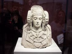 la Dama de Elche.  Arte Ibérico.