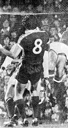 Arsenal 2 Everton 2 in Nov 1978 at Highbury. Martin Dobson heads home to make it 2-2 #Div1