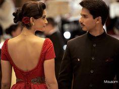 MAUSAM(2011) Bu filmde aşkı belli bir süreç içinde görüyoruz.Çünkü aradaki engeller kavuşmalarını engelliyor  Harry ve Aayat'ın.Ama konu Hint filmleri olunca engellerin bir önemi kalmıyor:) Muhteşem üniformasıyla Shahid Kapoor ve Sonam Kapoor başrollerde. İmdb puanı:4,6