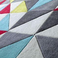 Alfombra con motivos gráficos en tejido de colores 200 x 140 cm COLORS