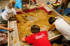 Les archéologues de l'Inrap à Alenya pour les journées européennes du patrimoine
