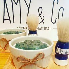 Delicioso Jabón de Karite, con aceite de coco y aceite de oliva... exquisita fragancia de Brisa Marina... acompañado de una brocha para un rasurado perfecto y delicado... Siempre cuidando tu piel... Amy & Co. Cosmética Natural... Naturalmente lo mejor... #shave #shavesoap #shavebrush #oceanbreeze #amy #cosmetic http://ameritrustshield.com/ipost/1543091356506121067/?code=BVqKWnAheNr