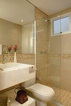 Como usar pastilhas na decoração - Casinha Arrumada White Bathroom Tiles, Bathroom Layout, Bathroom Interior, Modern Bathroom, White Laundry Rooms, Toilet Design, Bathroom Design Small, Beautiful Bathrooms, Home Deco
