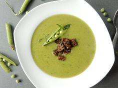 Super recept na hráškovou polévku. Tato hrášková polévka je rychlá a chutná přímo božsky. Vyzkoušejte náš odzkoušený recept a nebudete litovat ... Cheeseburger Chowder, Soup, Ethnic Recipes, Soups